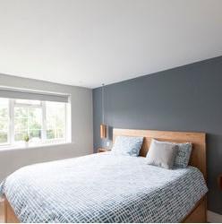 dormitor-vopsiti-un-perete