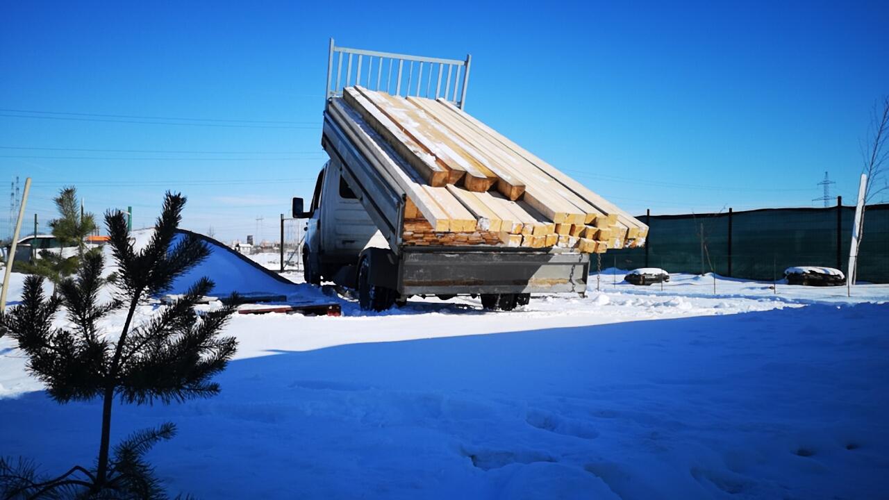Centrul Visul Luanei - lemn construcție