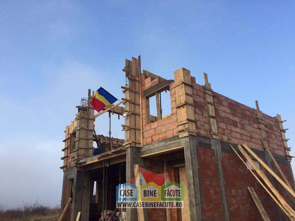 Constructie casa la rosu Corbeanca