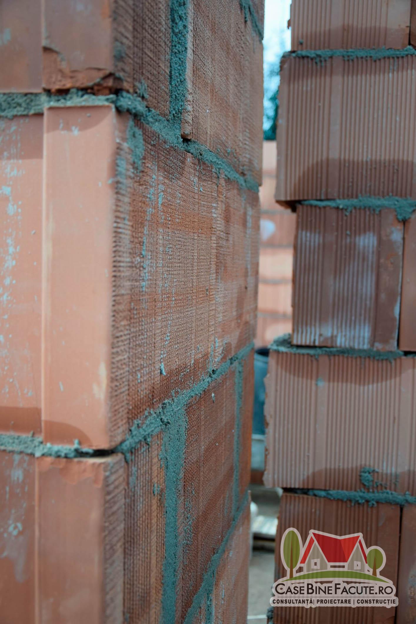 Constructie casa la rosu Moara Vlasiei