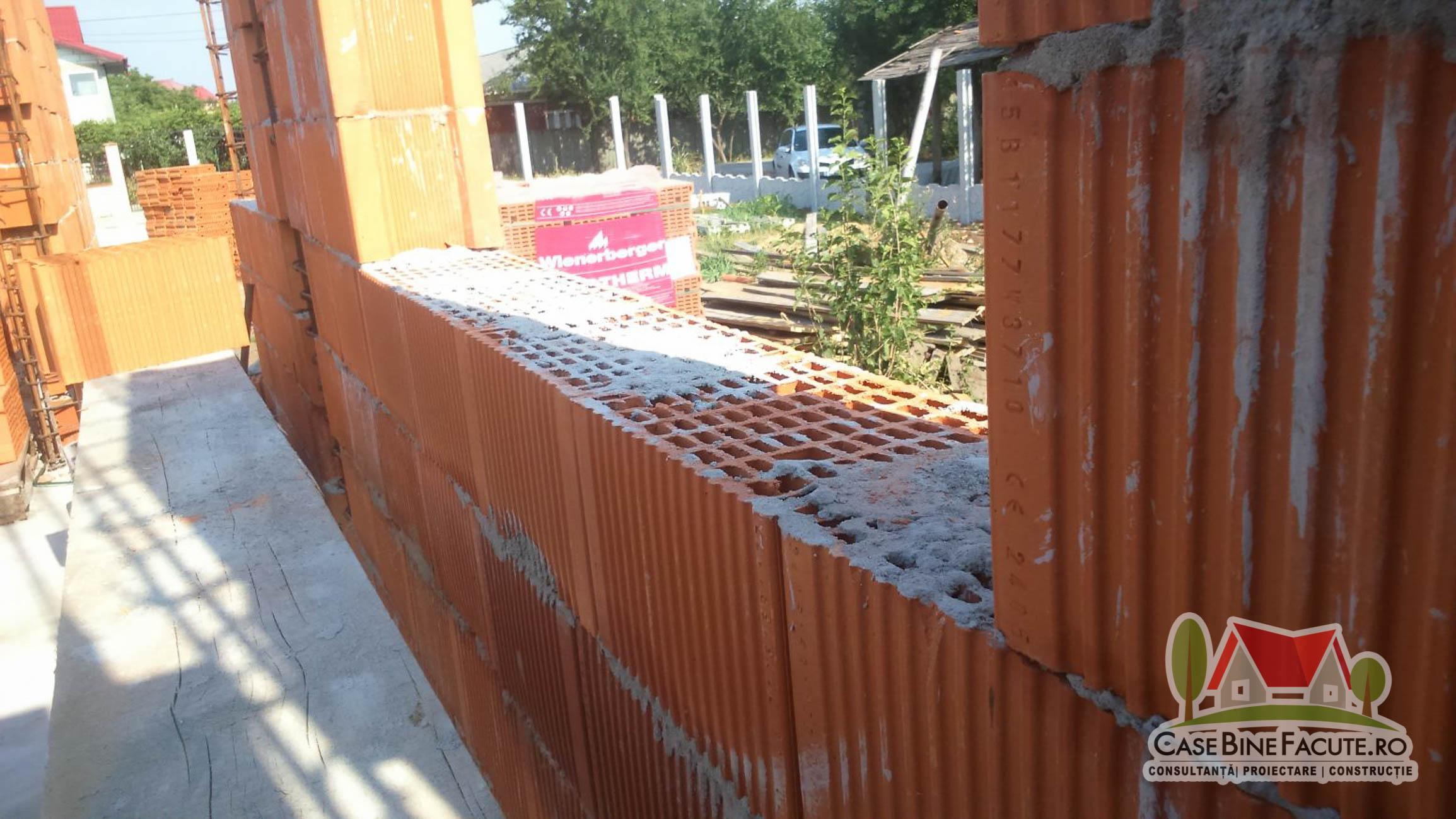 Construcție casă la roșu, Brănești