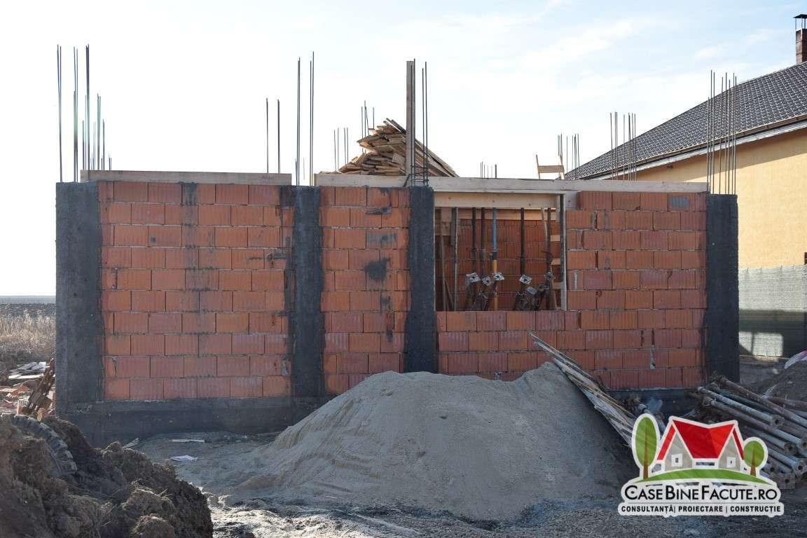 Constructie casa la rosu, Samurcasi DB